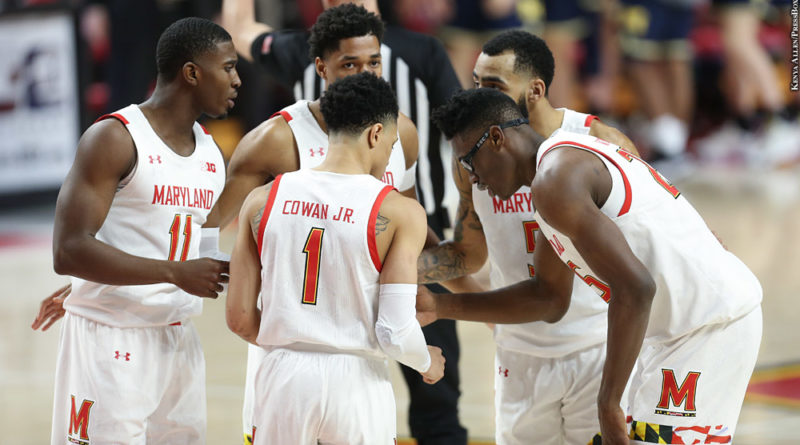 Terps huddle