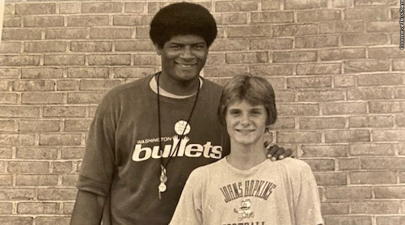 Wes Unseld, Dean Smith