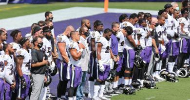Ravens during anthem